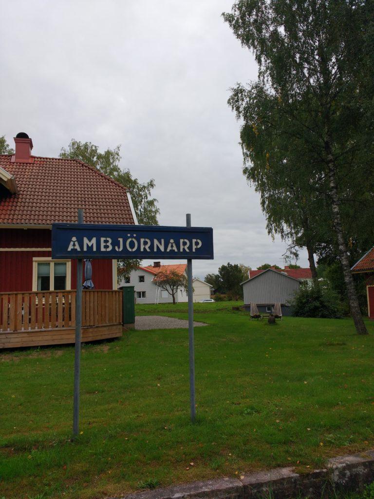 Rètol de l'estació d'Ambjörnarp