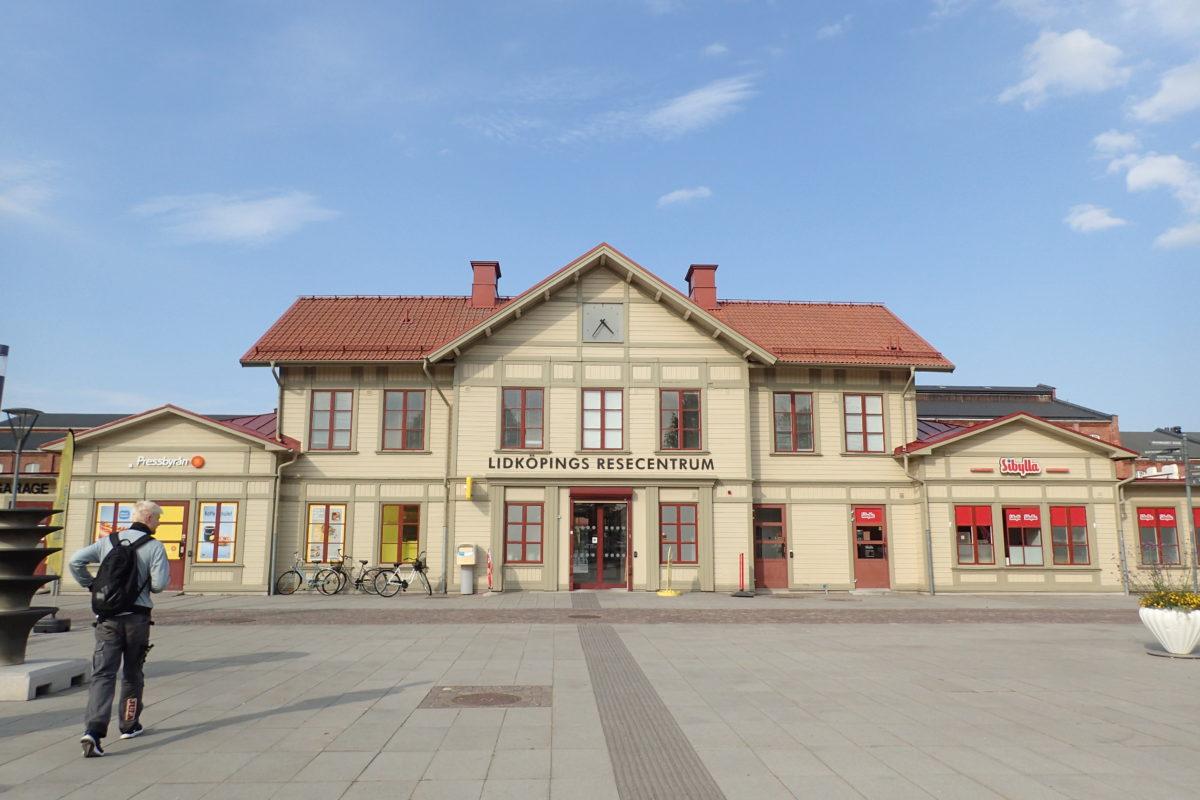 Vista frontal de l'estació de L'idköping