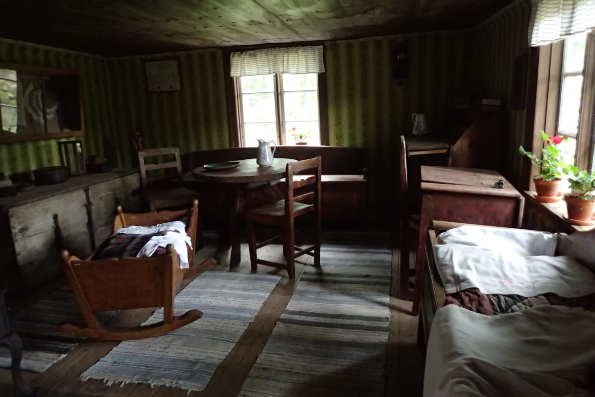 Interior d'una de les cases